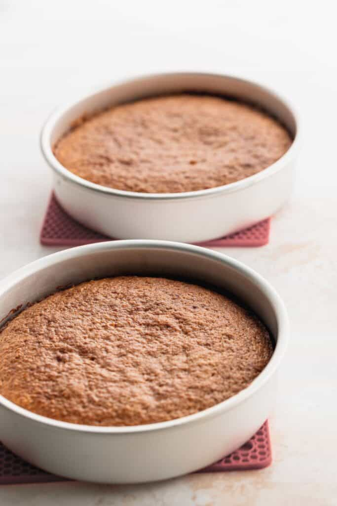 Cakes in pans cooling down.