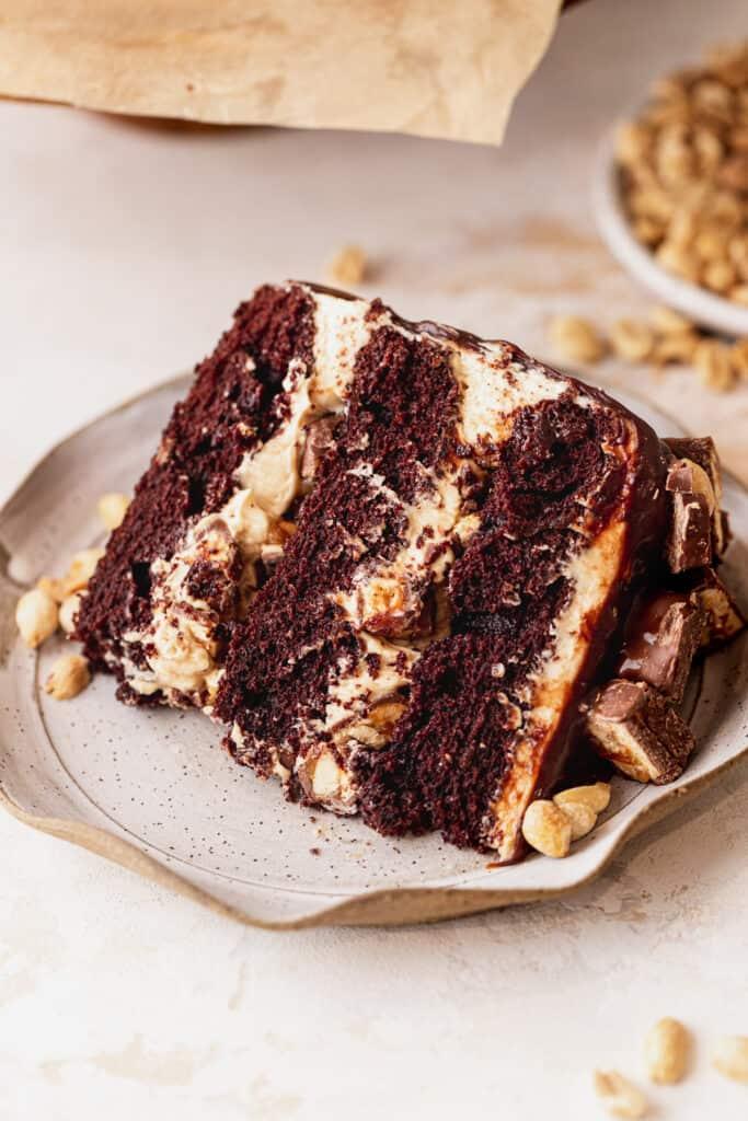 Cake slice on plate.