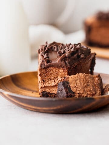 No bake chocolate cheesecake slice on a plate.