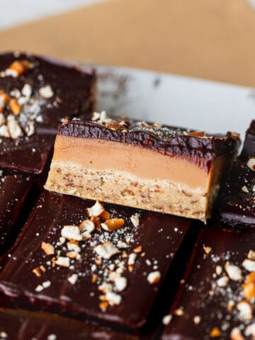 Pretzel millionaire shortbread with the side pointing up.