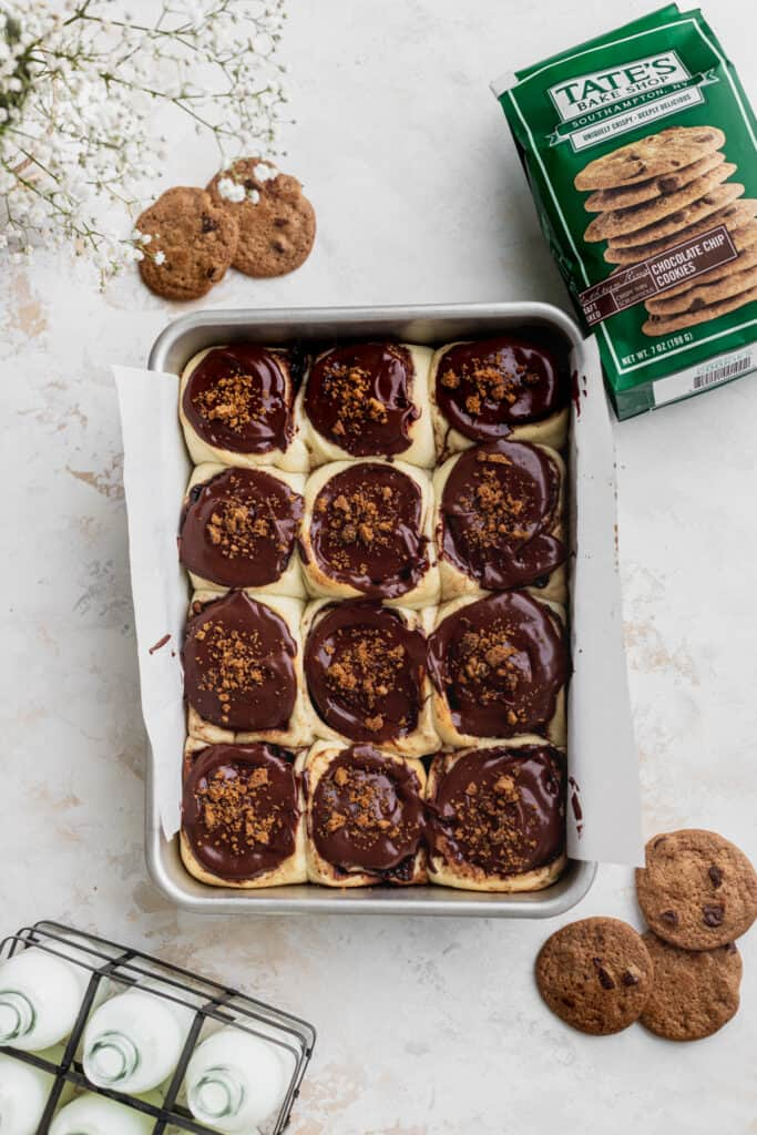Chocolate cookie cinnamon rolls in the pan.